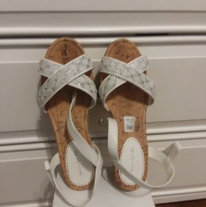 American Eagle white straps wedged sandals